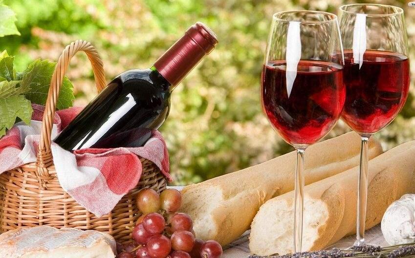红酒的优点是什么?过量饮用红酒有什么危害?