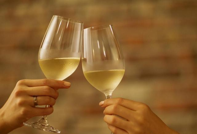 白葡萄酒能存放多长时间?白葡萄酒的保存期限