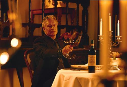 为什么晚上喝红酒比较好?晚上喝红酒有什么功效?