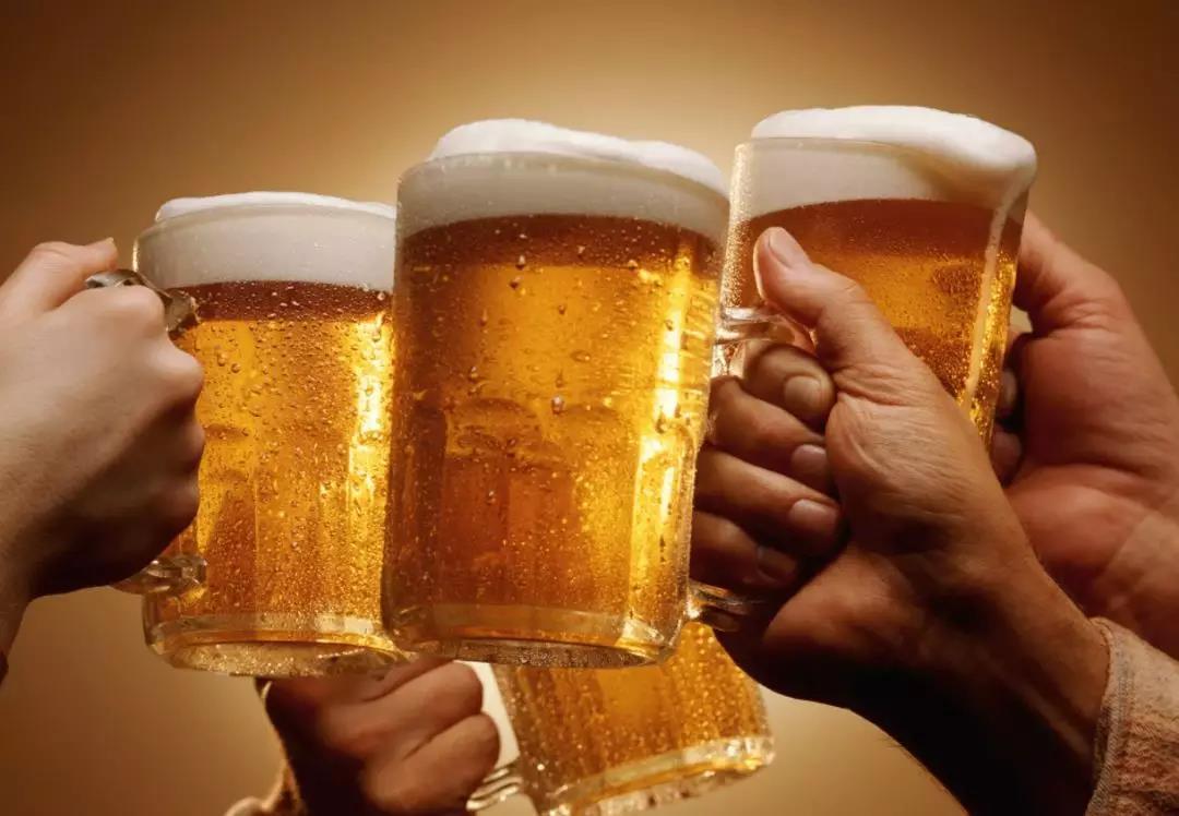 美国大学耗时15年研究显示:饮酒比运动更有效延长寿命