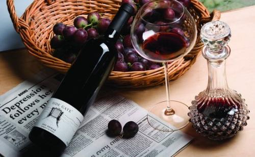 红酒的作用是什么?怎样喝红酒比较健康?