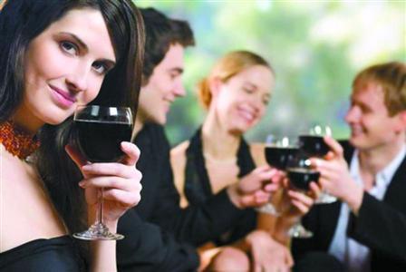 喝红酒可以美容吗?为什么喝红酒可以美容?