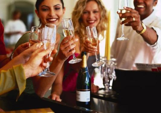 喝香槟,用这几种杯子!