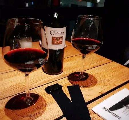 喝红酒用什么杯