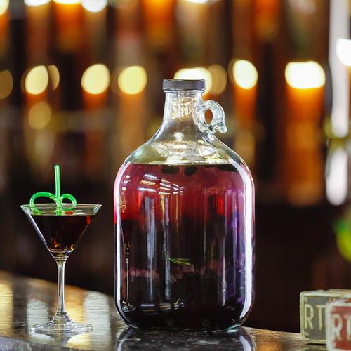 酿葡萄酒用什么容器