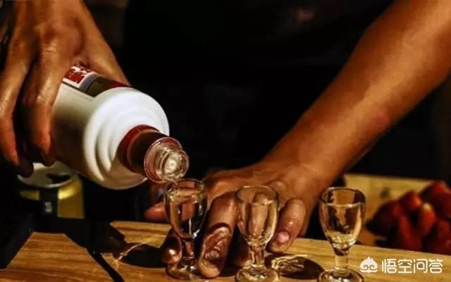 为什么同等档次白酒酱香型的更贵些?