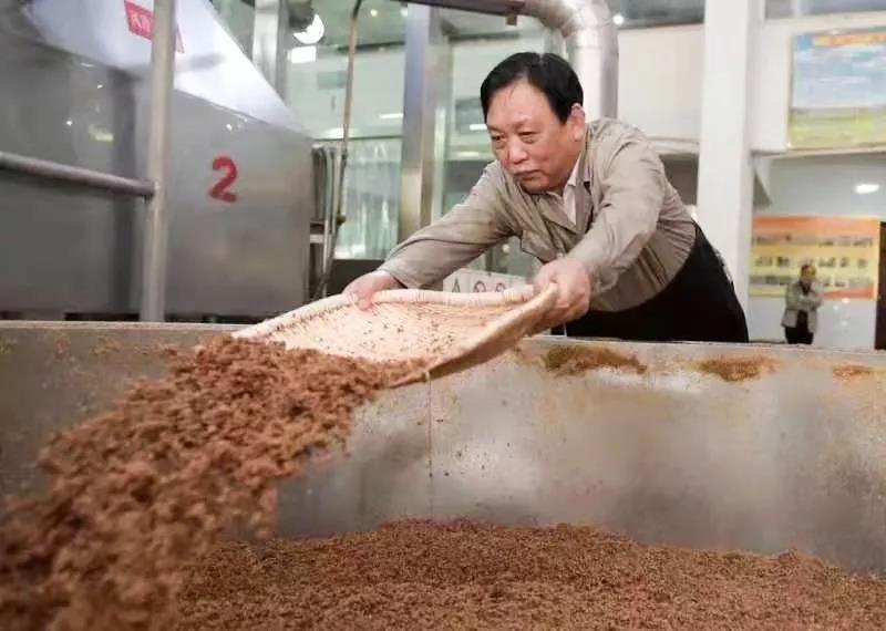 李秋喜被认定为杏花村汾酒酿造技艺的代表性传承人