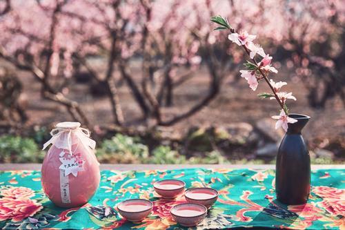 桃花酒有什么功效,喝桃花酒要注意什么