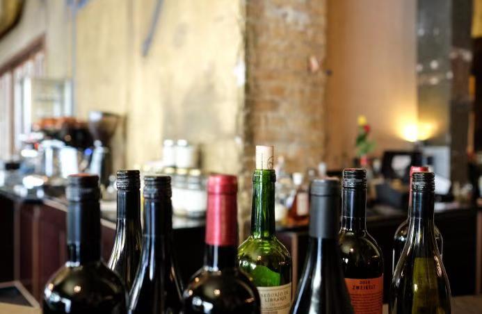 """香港酒圈发表联合声明申请撤销""""禁酒令"""",南非颁发的禁令将导致葡萄酒行业崩溃……"""