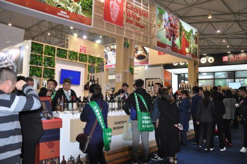 中酒展正在成为酒业巨头逐鹿的新战场:茅五洋泸汾、富邑、长城共同的选择