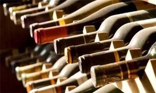 葡萄酒陈年必须要窖藏吗?影响葡萄酒陈年的因素有哪些?
