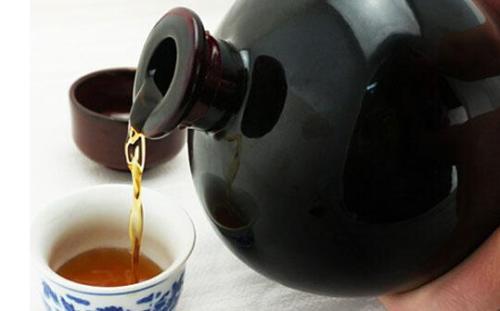 黄酒变酸以后可以当做醋吗?黄酒变酸以后不能继续使用。