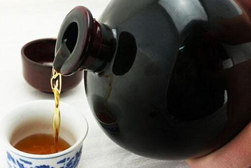 血糖偏高的人可以喝黄酒吗?血糖偏高的人喝黄酒有什么注意事项?