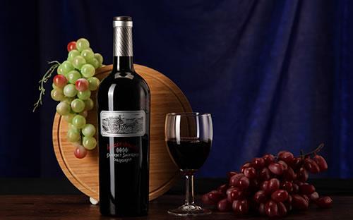 中国境内拉菲葡萄酒一瓶多少钱