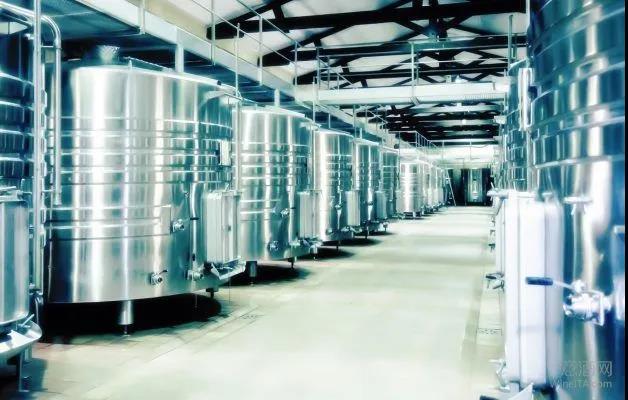 意法西三国联合提议蒸馏葡萄酒以应对危机