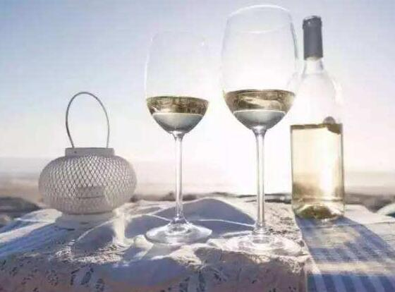 甜白葡萄酒怎么喝