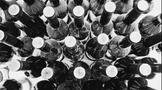 英国将对欧盟征收葡萄酒关税、墨西哥百余人喝假酒致死