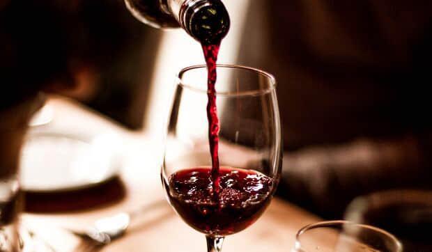 红酒放了20年还能喝吗