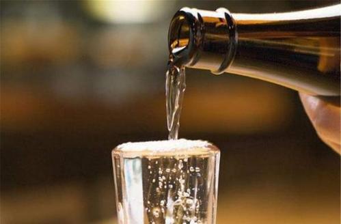 清香型白酒有什么优点?清香型白酒的好处有哪些?