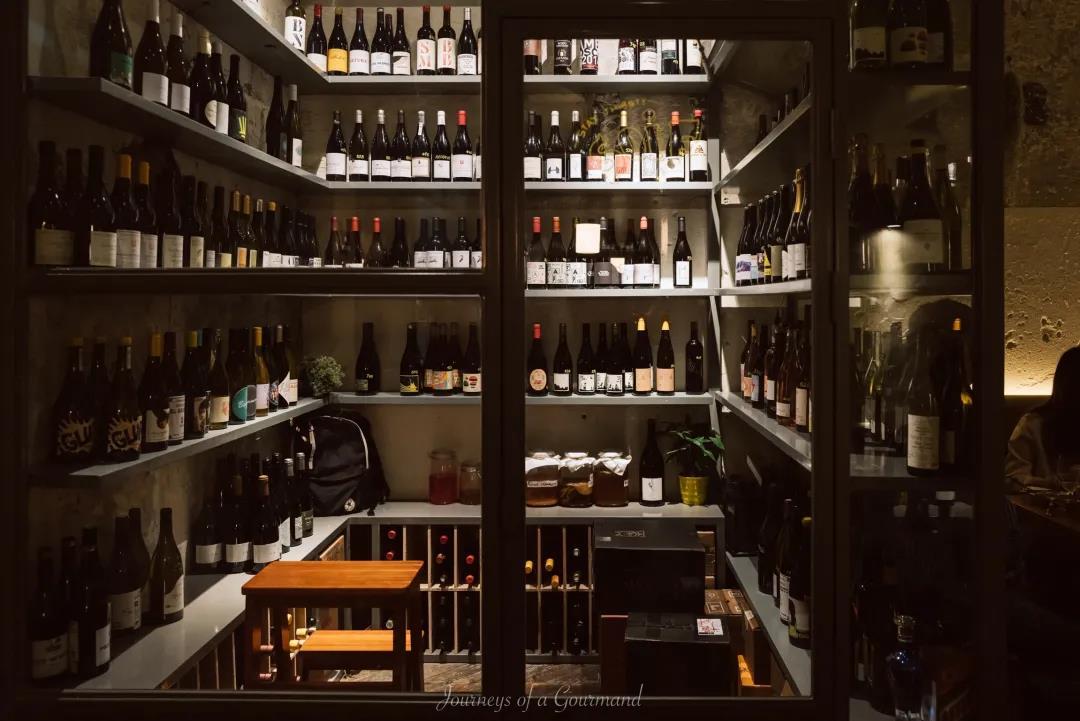 萄酒餐吧一年内激增3倍,酒水加价率远低于西餐厅