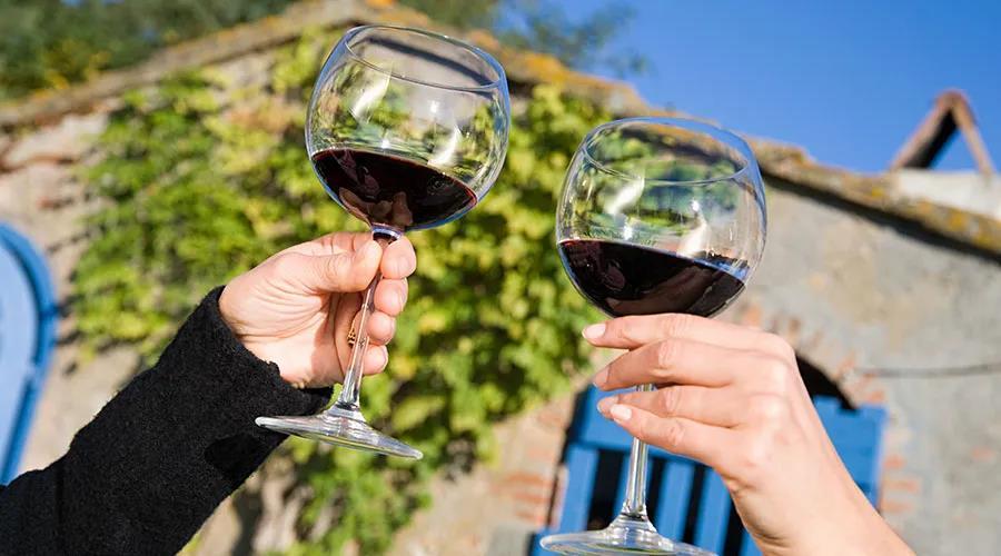 进口葡萄酒持续萎缩还是已触底?酒商有话说