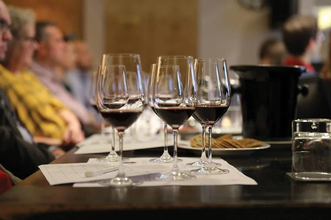 法国再度宣布封城,下半年酒水旺季酒商备货已成共识