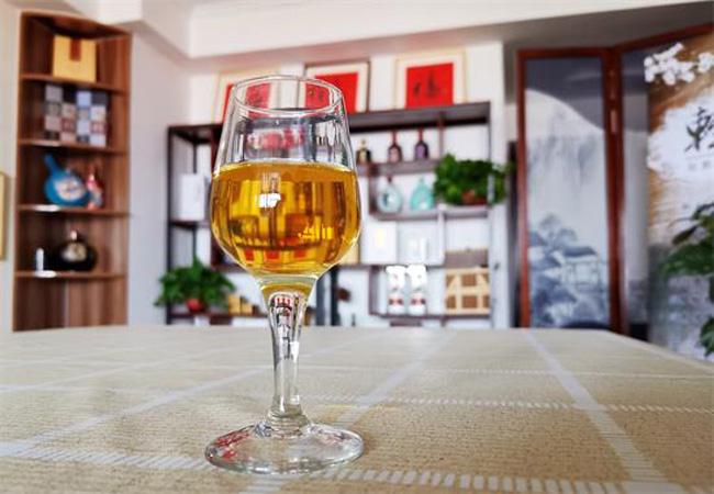 怎样辨别优质与劣质黄酒呢