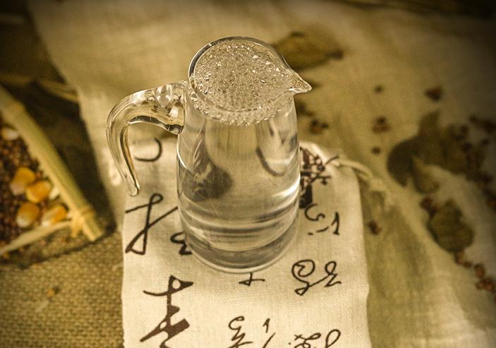 简要介绍酿造白酒的方式