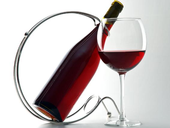 要怎么看红酒是否有色素