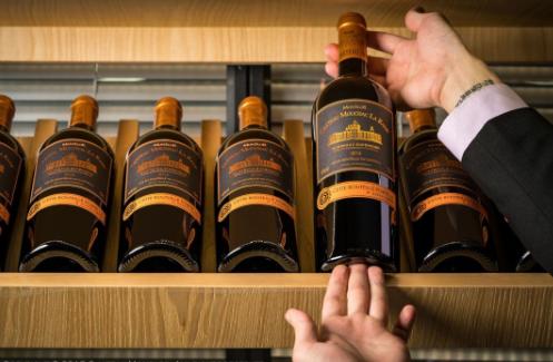 教你喝葡萄酒的步骤和技巧