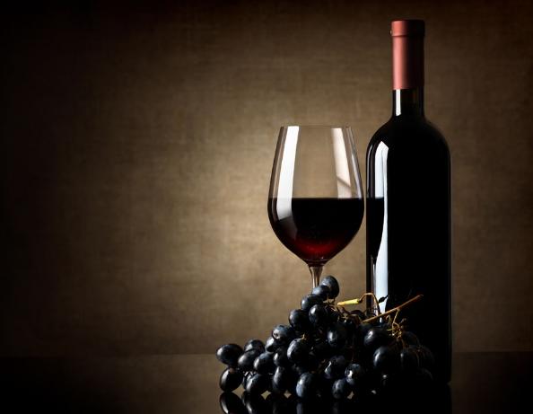 喝葡萄酒帮助美容是不是
