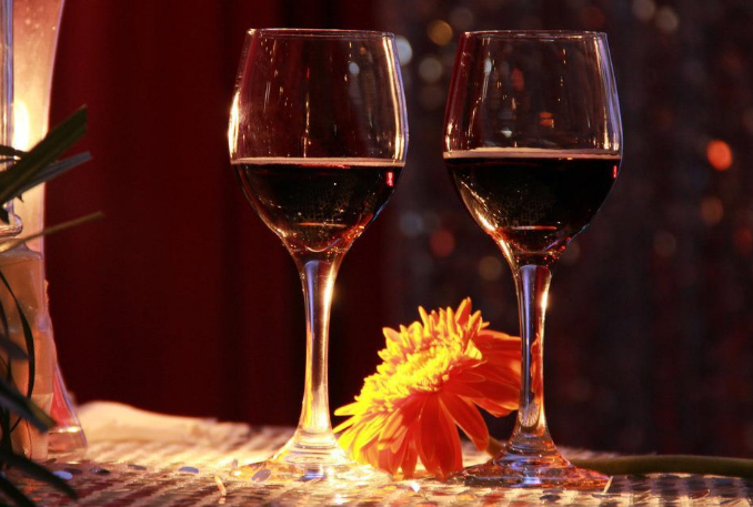 什么酒是葡萄酒