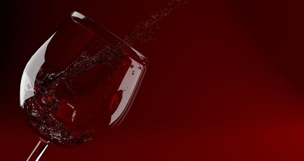 女人每天喝一点红酒好处多多
