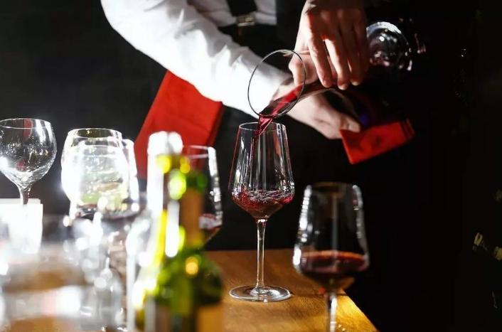 葡萄酒中有哪些成分?作用有哪些?