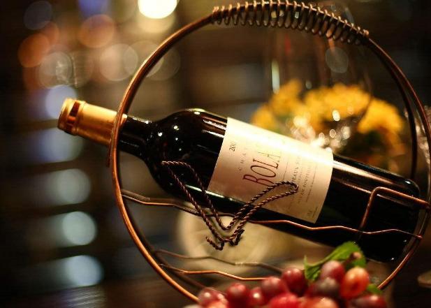 喝葡萄酒红酒的方式以及步骤