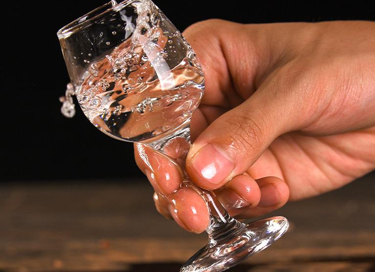 白酒并不会越放越醇?保存多久?
