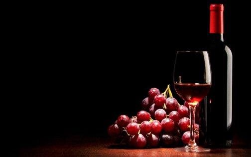 少量饮葡萄酒酒的好处有哪些?饮多少酒合适?