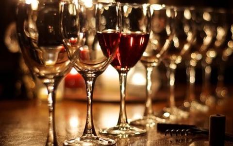 优质葡萄酒的五步品鉴法简单了解一下