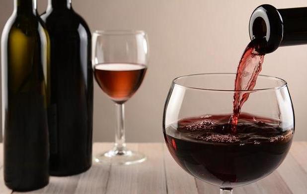 品鉴红葡萄酒的技巧以及步骤