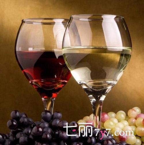 葡萄酒的五大功效与好处 天天喝一杯健康常相伴