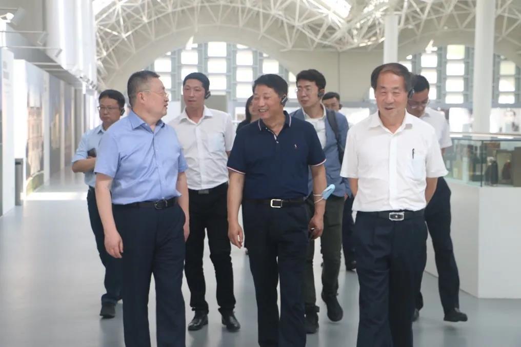 劲牌董事长吴少勋走进张裕,点赞张裕品位高、品质好