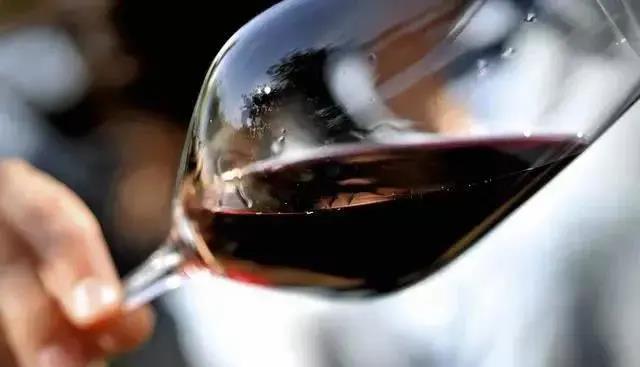 葡萄酒市速览 前5月酒饮料等制造业利润总额同增38.6%;新西兰葡萄减产37万吨…