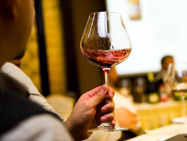 葡萄酒的品尝方法,怎么喝好喝?