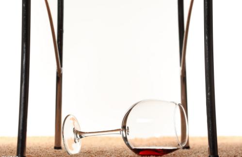 怎么保存香槟葡萄酒?保质期多长?