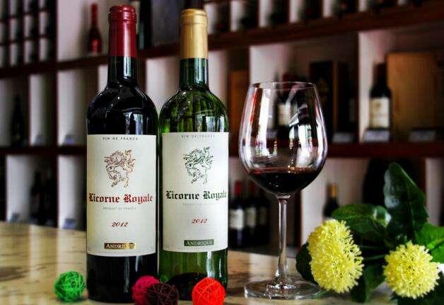 喝葡萄酒有哪些功效,你会喝了吗?