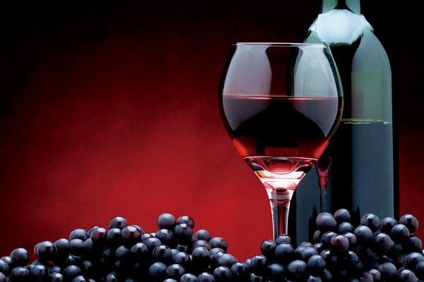 在经期能否喝葡萄酒,可调节女性痛经?