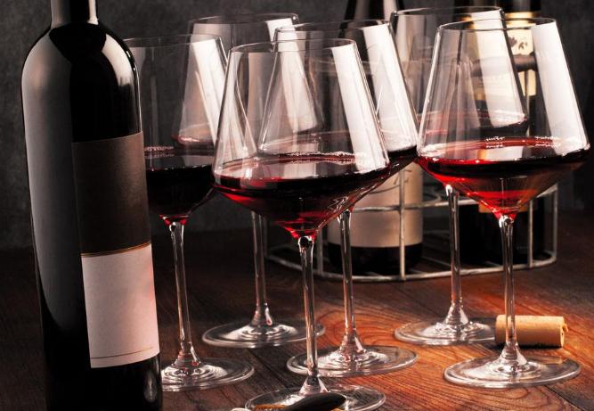 品葡萄酒的方法,怎么喝?