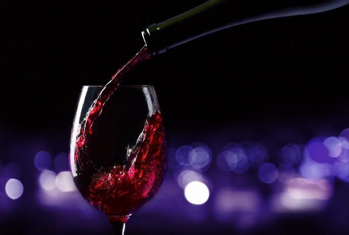 简述血糖高可以喝葡萄酒吗?